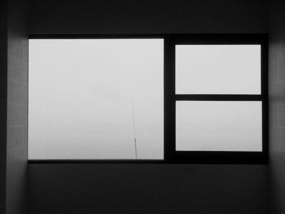 black and white, photo, minimalism, fog, window view,