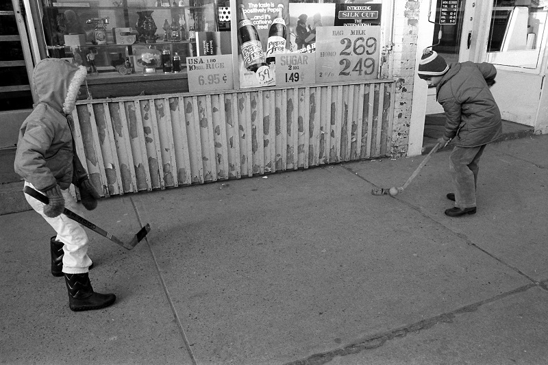 ball hockey, sidewalk, Toronto, 1983,