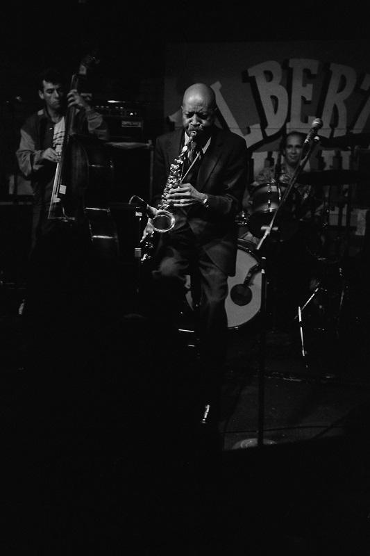 "Eddie ""Cleanhead"" Vinson, Toronto,1984"