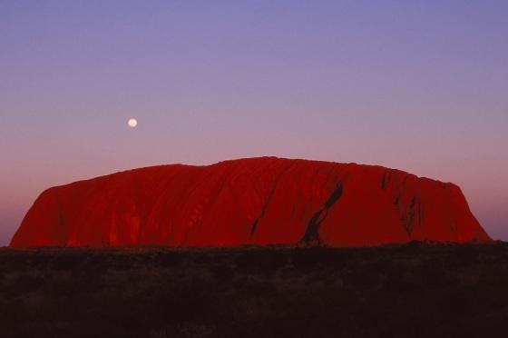 Uluru, Ayers Rock, Australia, 1989, sunrise, full moon